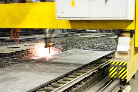 Podczas produkcji maszyn stosujemy cięcie plazmą